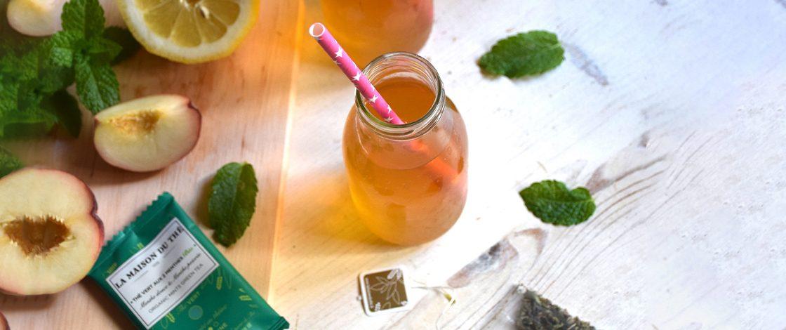 Cocktail aux pêches blanches & au thé vert